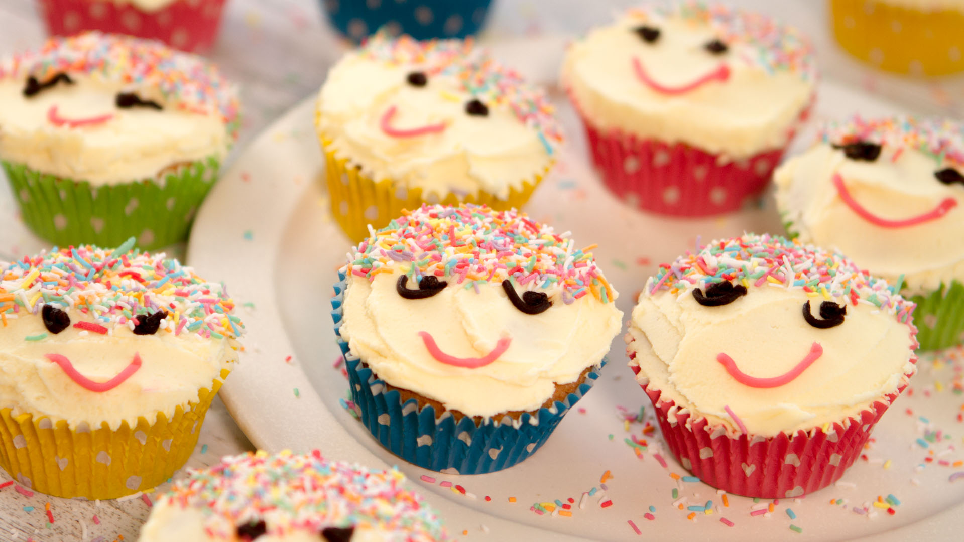 Smiley Face Cupcakes Multix